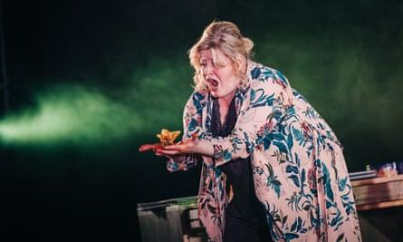 Karen Cargill as Judith in Scottish Opera and Vanishing Point 2017 production of Bluebeard's Castle.