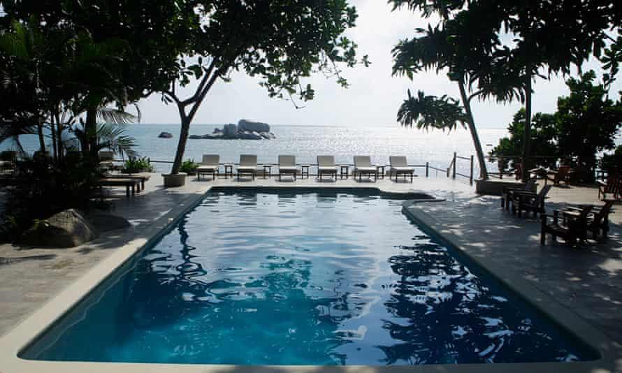 Nikoi Island resrt pool looking to sea, Indonesia
