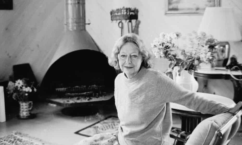 She held a place at the centre of the literary world … Elizabeth Hardwick.