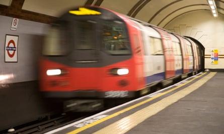 A Northern Line tube train