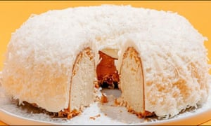 The Bundt cake Tom Cruise sends his friends at Christmas.