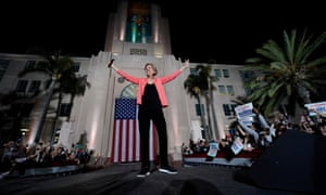Elizabeth Warren holds an outdoor rally in San Diego, California, on Thursday.