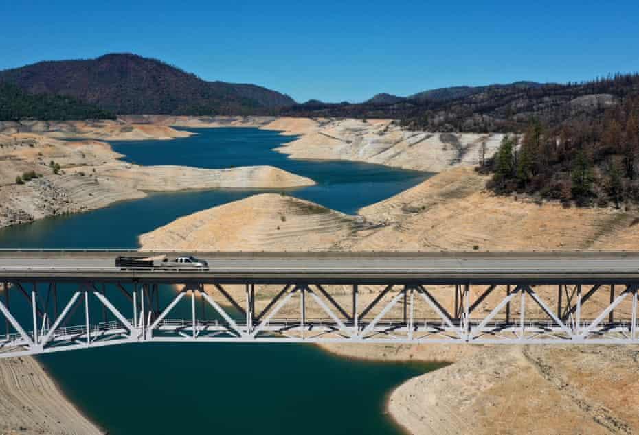 A truck drives on Enterprise bridge over Lake Oroville in California.