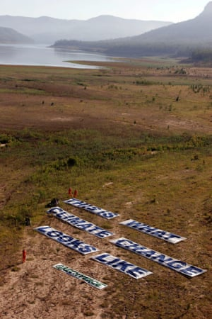 In February 2015, Greenpeace activists unveiled a banner in the dry bed of Warragamba dam, which supplies 80% of Sydney's water, bearing the words: 'This is what climate change looks like'.