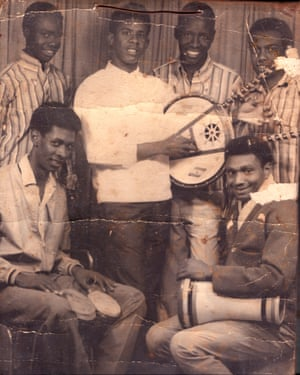 Abu Obaida Hassan with fellow Sudanese musicians