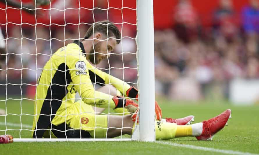 A disconsolate David de Gea after Kortney Hause's goal