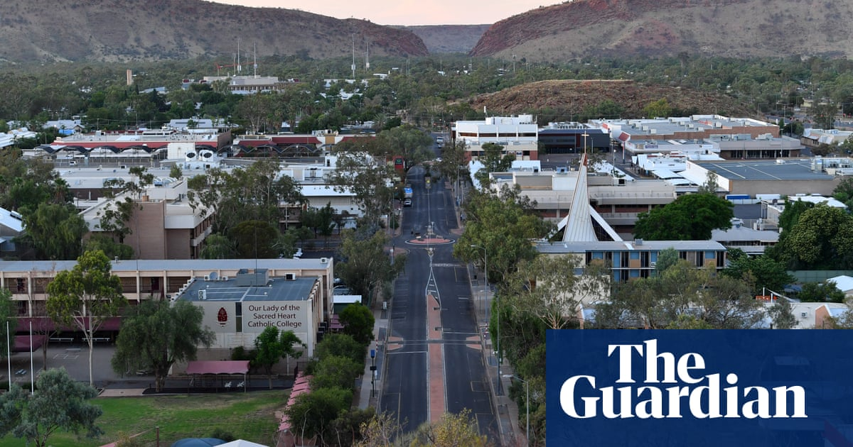 Alice Springs joins parts of NSW, Queensland and Perth in lockdown after Covid case visited airport