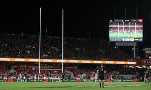New Zealand's Beauden Barrett kicks a penalty to make it 15-12.