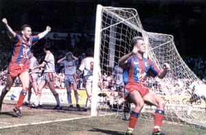 Alan Pardew (right) celebrates after scoring Crystal Palace's winning goal in extra-time.