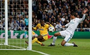 Matuidi scores the third for Juventus.