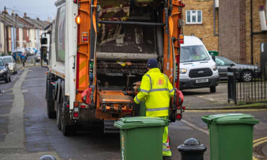 The Cabinet Office classes refuse collectors as key workers.
