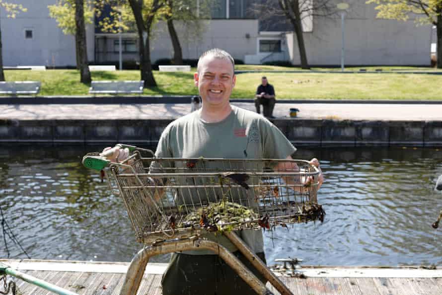 Mark McGeachin, the founder of Glasgow Magnet Fishing.