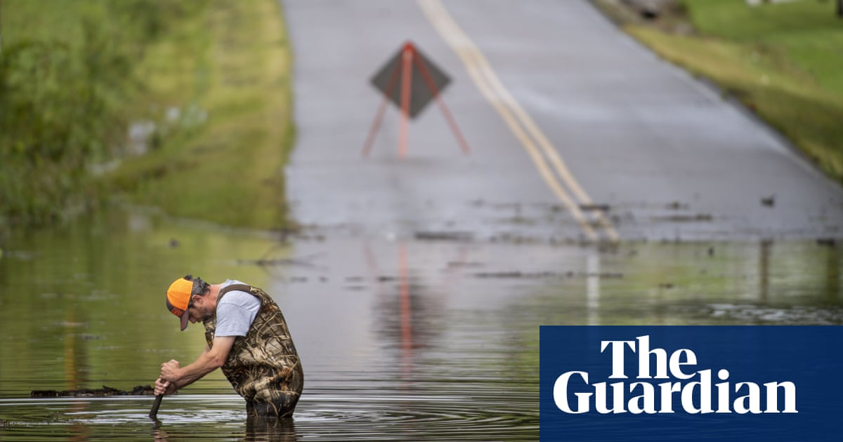 At least eight dead and dozens missing in Tennessee floods