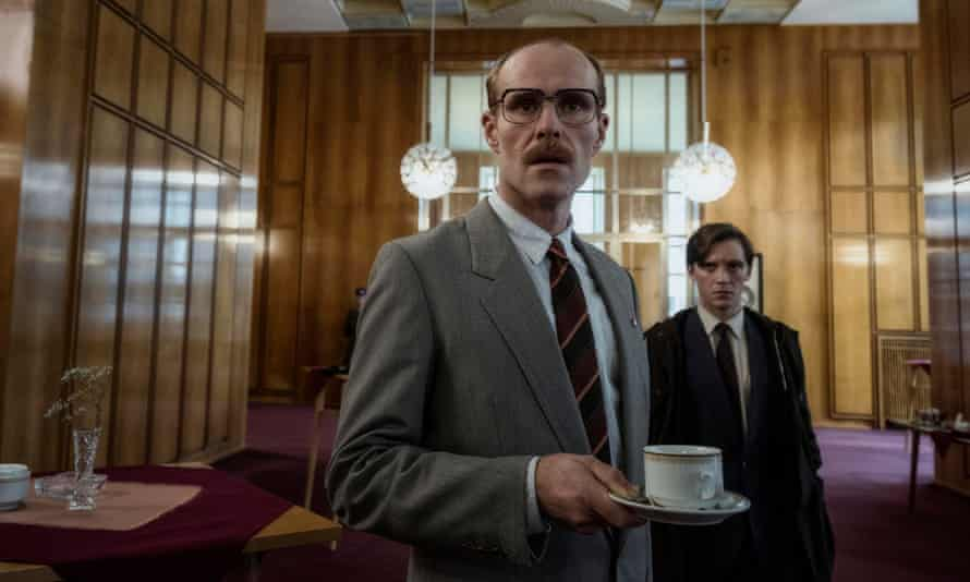 Decline and fall of the Stasi ... Deutschland 89.