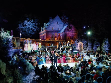 A Christmassy get-together at André Rieu's castle.
