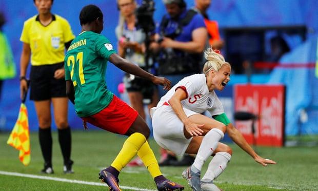 الفيفا يحقق في سلوك الكاميرون في هزيمة كأس العالم أمام إنجلترا