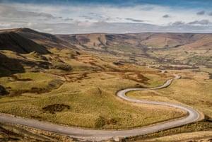 Mam Nick Road, Mam Tor, Castleton, Derbyshire, Winding road through peaks