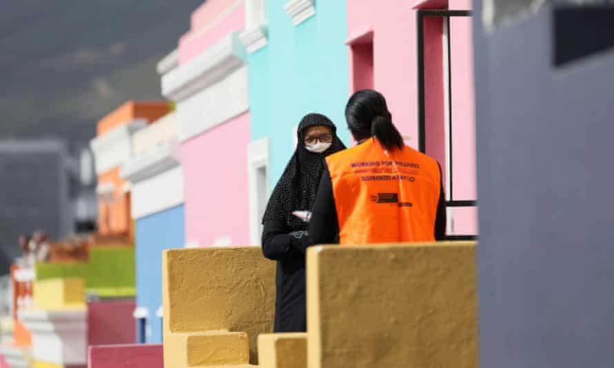 A health worker talks to residents of Bo Kaap, Cape Town, South Africa