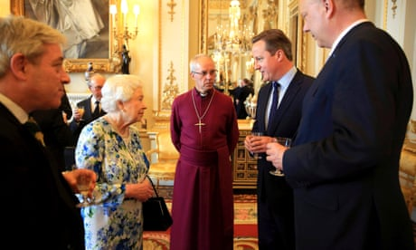 ad0e52826c8df Queen caught on camera saying Chinese officials were  very rude ...