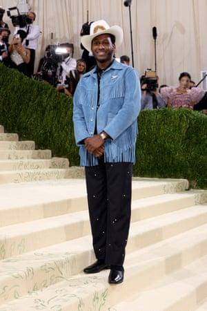 Leon Bridges keeps it quintessentially designer cowboy wearing Bode