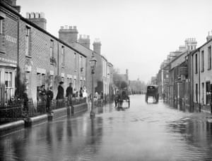 Aptly named and flooded Lake Street in New Hinskey, Oxfordshire, 1890