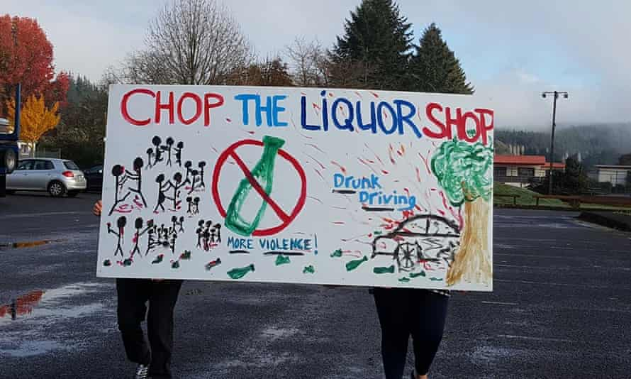 The Murupara community has tried to clean up the town and fear the new liquor outlet will create more social problems.