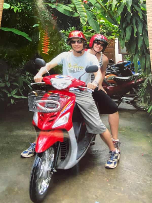 Laura and Jules Jackel travelling in Thailand (Koh Samui) as part of a big 3 month adventure in 2006