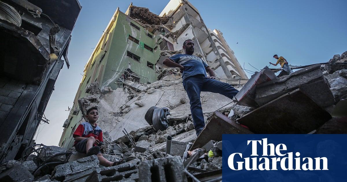 Israel-Gaza conflict: fresh attacks after Biden calls for 'significant de-escalation'