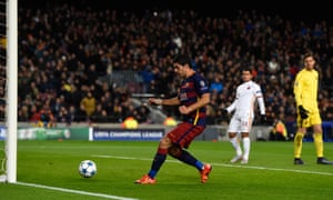 Luis Suárez taps home Barcelona's first