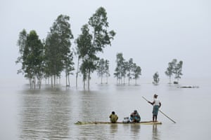 Bogra, Bangladesh People use a banana boat after flooding in Kajla. Thirty people have been killed in the past three days in flood-related incidents in Dinajpur, Gaibandha and Lalmonirhat