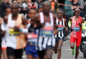 Great Britain's Mo Farah in action during the men's elite race