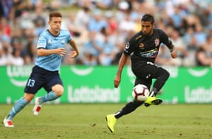 Ronald Vargas of the Jets in action during the round 14 A-League match between Sydney FC and the Newcastle Jets at Jubilee Stadium.