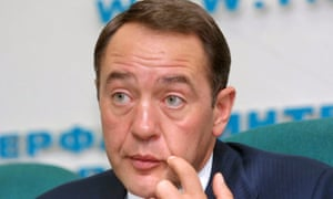 Mikhail Lesin at a press conference in 2002. Russian officials are pressing their US counterparts for information about their investigation into Lesin's death.