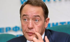 Minister Mikhail Lesin giving a press conference in Moscow, Russia on 22 January 2002.
