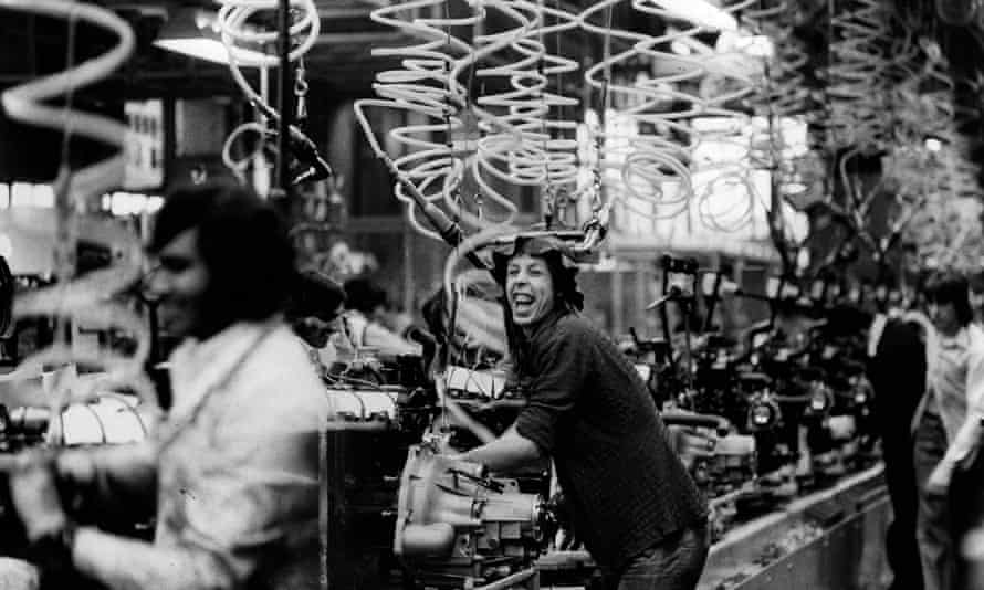 The engine-assembly shop at Ford Dagenham in 1977.