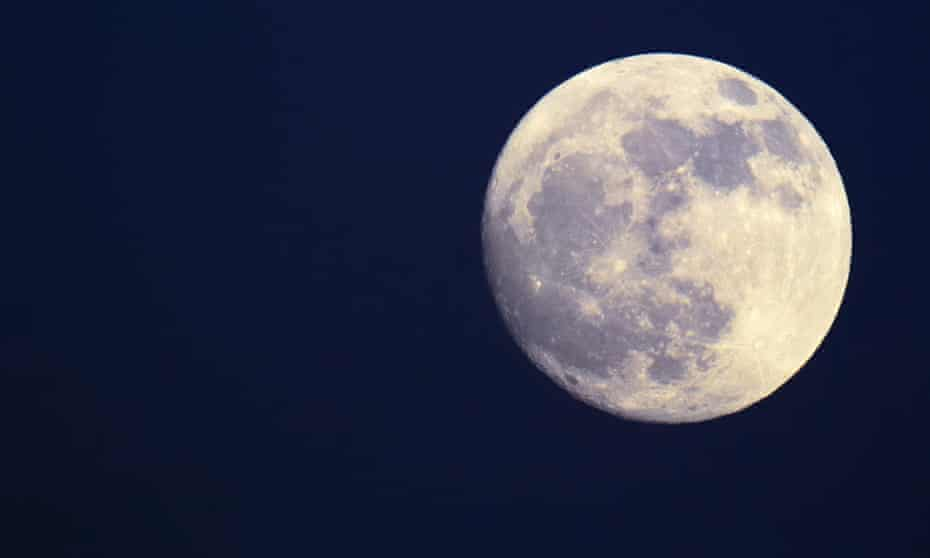 Everyone knows the moment of amazement and delight when we see the moon rise …