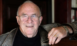 Clive James in 2009. He became a paradox: at once a high-minded litterateur and an avuncular TV bloke.