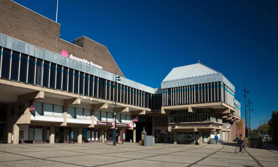 Built in 1971-76, the Derby Assembly Rooms was the work of architects Hugh Casson and Neville Conder.