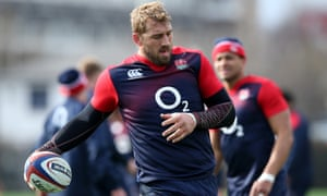Chris Robshaw holds on to the ball during the England training session at Latymer Upper School