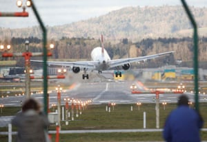 A Swiss Airlines jet struggles to land in Zurich