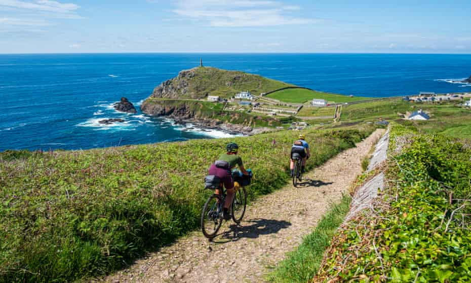 Vedangi Kulkarni (freelance) and Katherine Moore (Unpaved podcast) concentrate on the gravel descent down to Cape Cornwall during a recce ride of Cycling UK's West Kernow Way, June 2021. The 230km route is part of the EU-funded EXPERIENCE project to develop sustainable year-round tourism activities in Cornwall.
