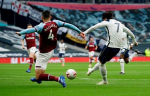 Son scores the opener for Spurs.