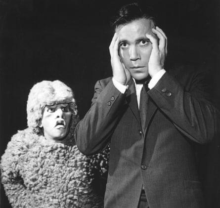 Nick Cravat and William Shatner in the 1963 Twilight Zone episode Nightmare at 20,000 Feet.