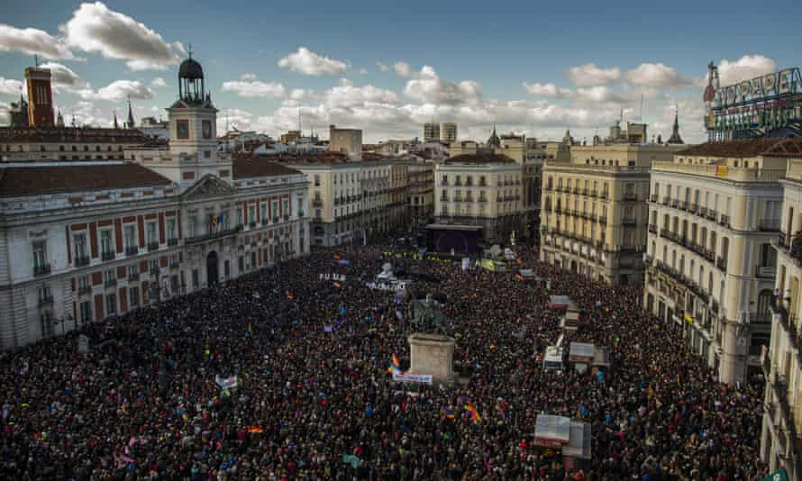 Podemos supporters in the centre of Madrid, in 2015