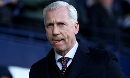 Alan Pardew will be tasked with keeping struggling Eredivisie side ADO Den Haag in the Dutch top flight in the new year.