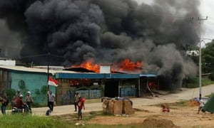 A building was set on fire by rioting in Sorong.