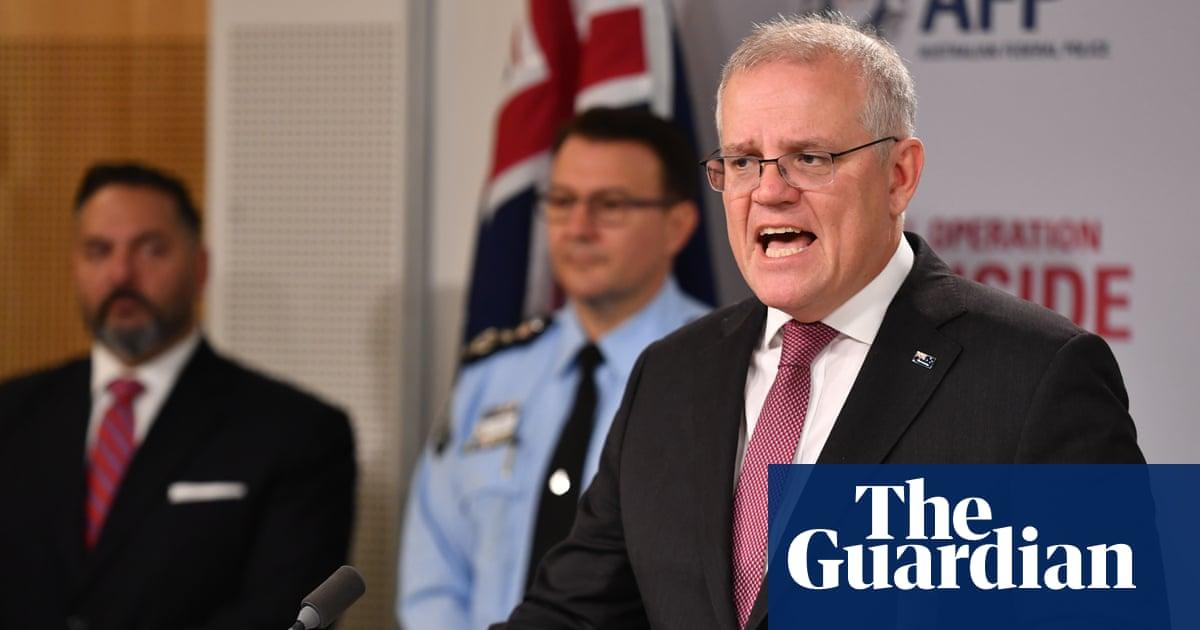Hundreds arrested after Australian police and FBI crack underworld messaging app