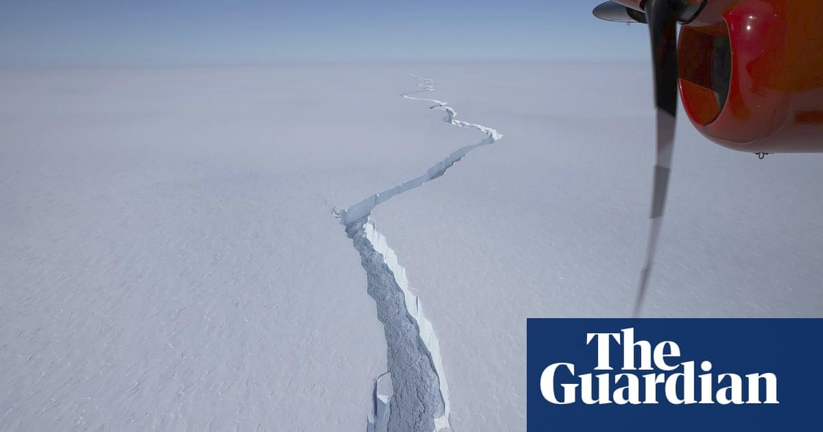 Huge iceberg breaks off from shelf in Antarctica – video