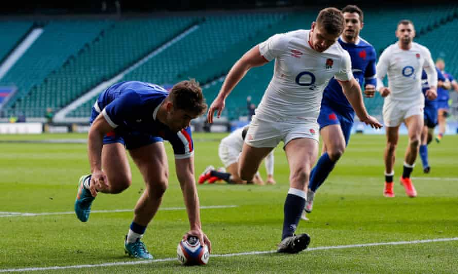 The France wing Damian Penaud touches down for a try against England at Twickenham.