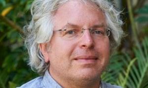Dr Gerd Schroder-Turk.